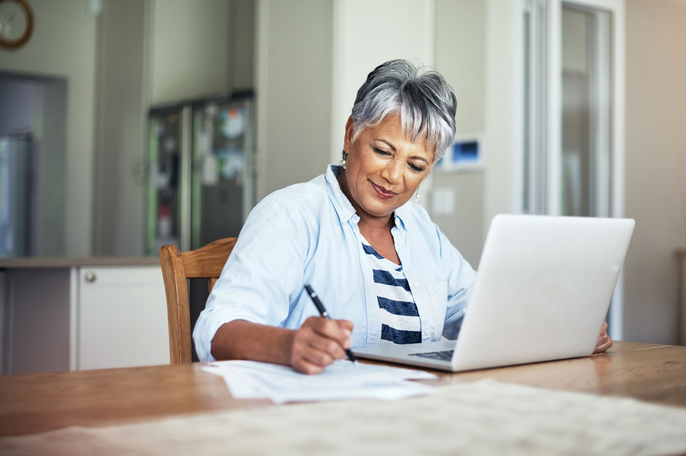 3 Online Courses for Retirees Who Want to Go Back to School