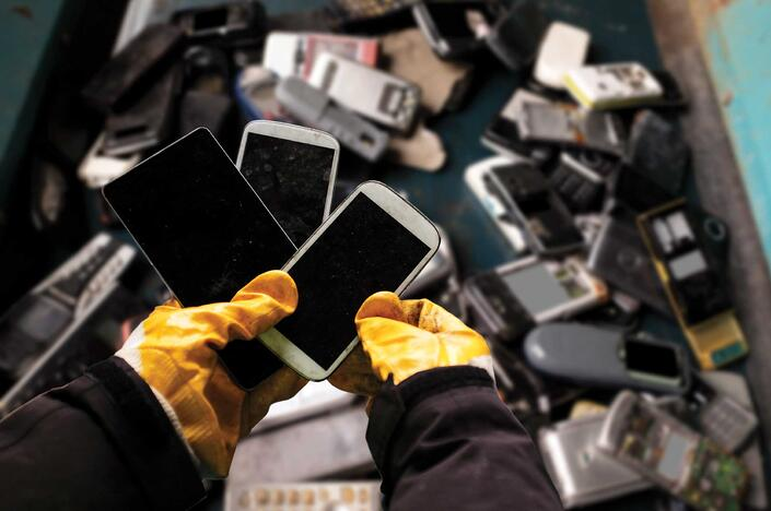 How To Recycle Your Old Cell Phones