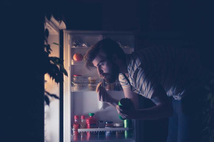 How to Escape the Late-Night Snacking Trap